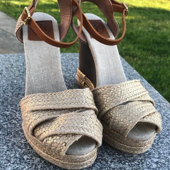 dff5ab39304fef Tory Burch wooden heel espadrille platforms. M 5b45890aaa87702140d7f322